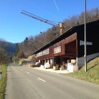 """Produktion von Holz-Stroh-Lehm Modulen """"zoë"""" bei Lehmwerk, Seewen"""